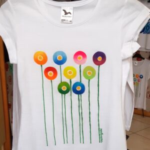 egyedi, kézzel festett póló
