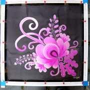 fekete-selyemkendo-lila-matyo-motivummal