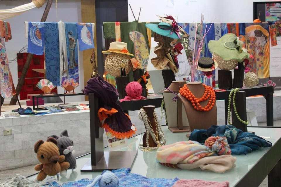 selyemfestő Rosa Torres