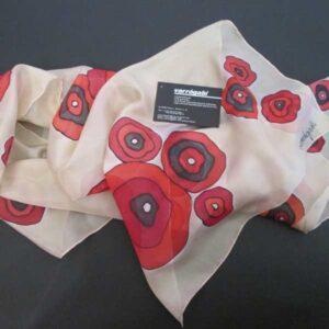 Piros virágos selyemsál